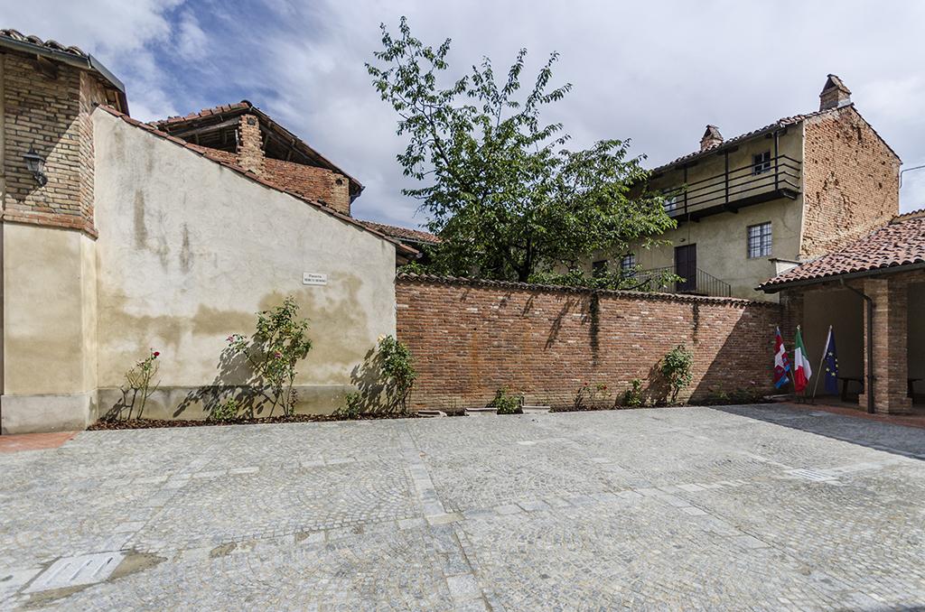 Nuova piazza dedicata a Mirco Mosso in Cerreto (AT)